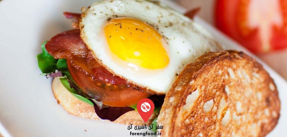 فیلم آموزش ساندویچ صبحانه تخم مرغ بیکن