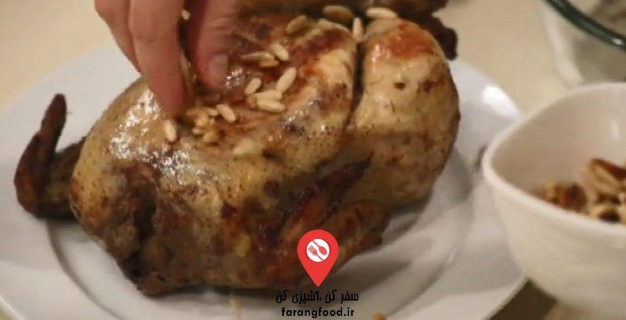 فیلم آموزش مرغ شکم پر با برنج و گوشت