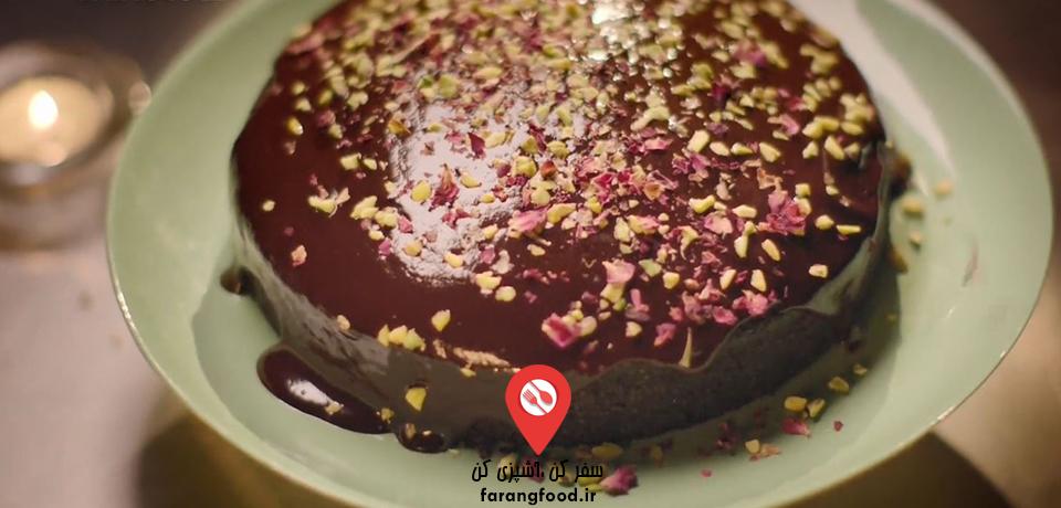 فیلم آموزش کیک گیاهی شکلاتی مجلل
