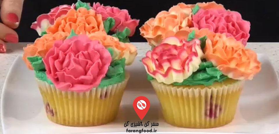 فیلم آموزش تزیین کاپ کیک با گل خمیری