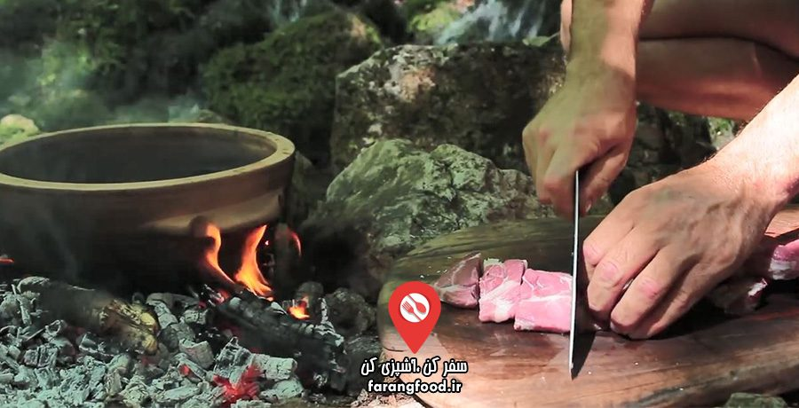 آشپزی در طبیعت : فیلم آموزش خورش گوشت و سبزیجات با پنیر خامه ای