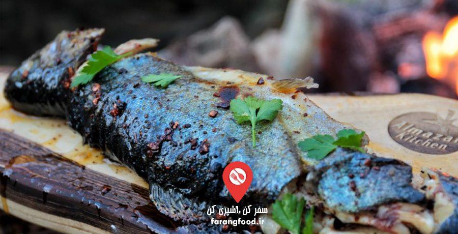 آشپزی در طبیعت : فیلم آموزش کباب چوبی ماهی با سس تند