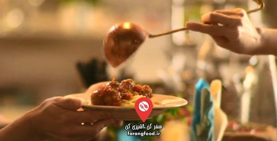 آشپزخانه ایتالیایی نایجلا : فیلم آموزش کوفته ریزه سوسیسی