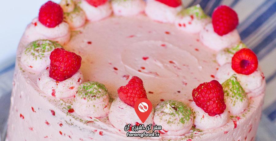 آشپزی با تاتیانا : فیلم آموزش کیک چای سبز خامه ای با تمشک