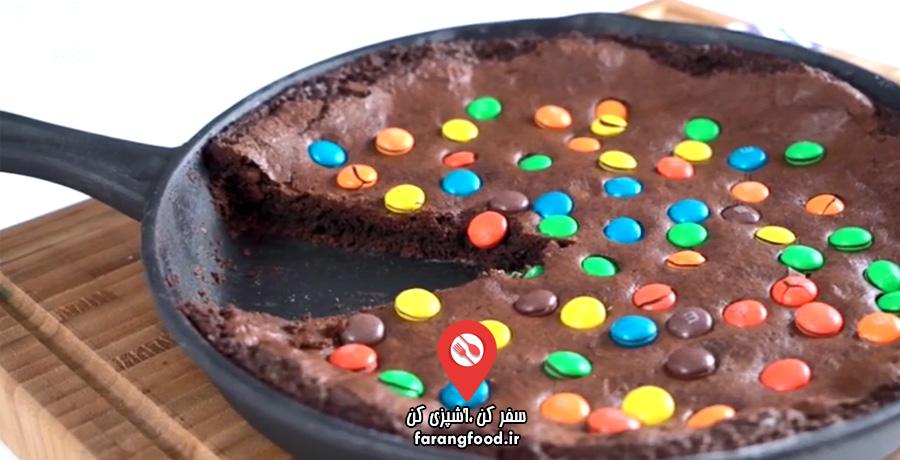 لوکانتا فیلم آموزش کیک ترکیه ای شکلات کاکائویی اسمارتیزی در ماهیتابه